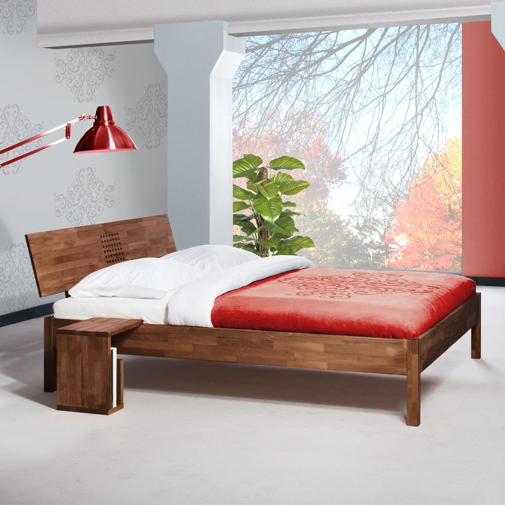 Doppelbett in Nussbaumfarben Buche