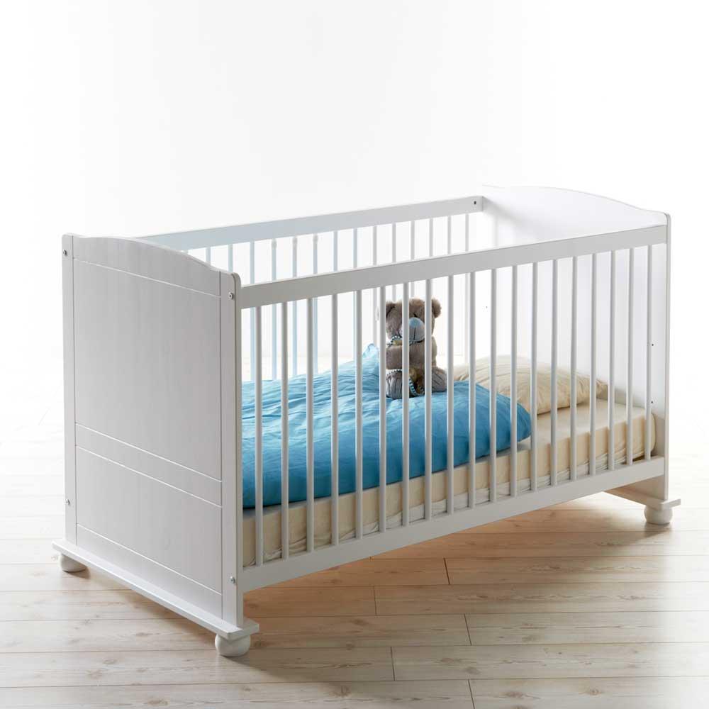 Babybett in Weiß inklusive Rollrost | Kinderzimmer > Babymöbel > Babybetten & Babywiegen | Massivio