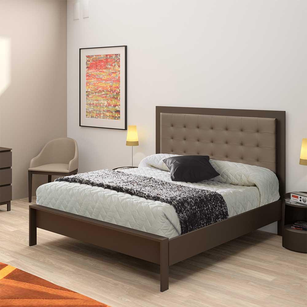 Bett aus Metall mit Polsterkopfteil