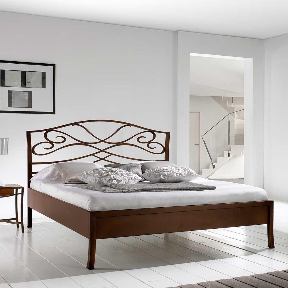Bett in Braun Metall