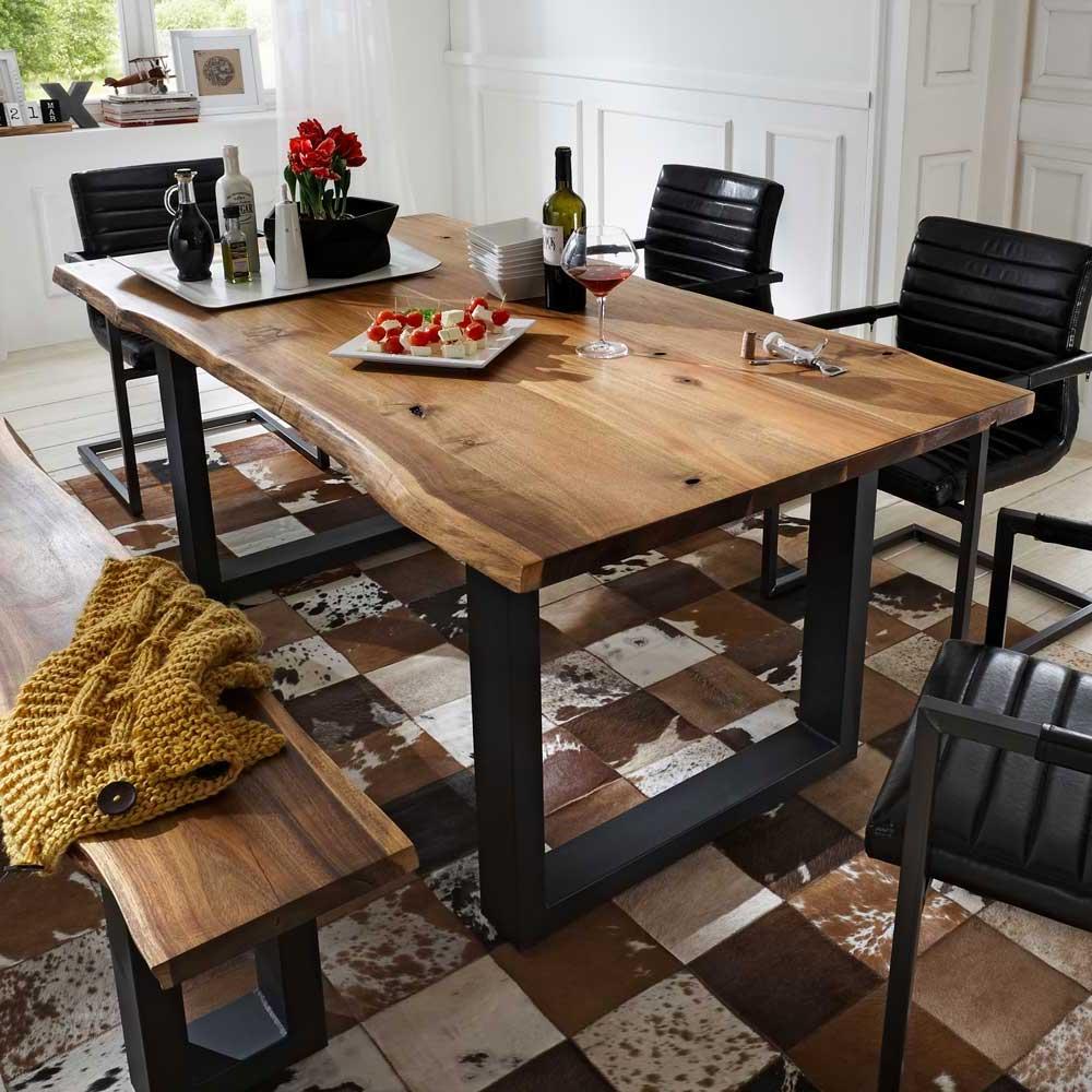 Tisch mit Baumkante Eisen