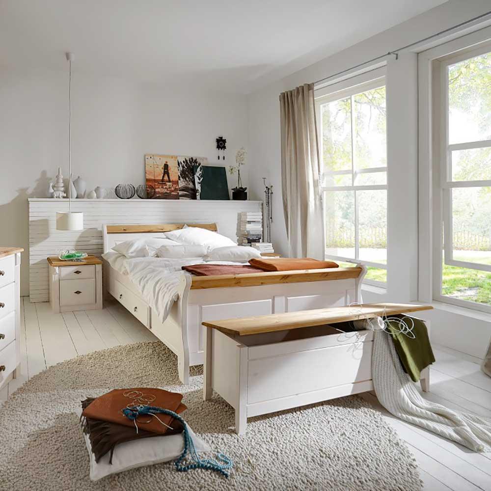 Landhaus Schlafzimmer in Weiß Kiefer massiv (4-teilig)