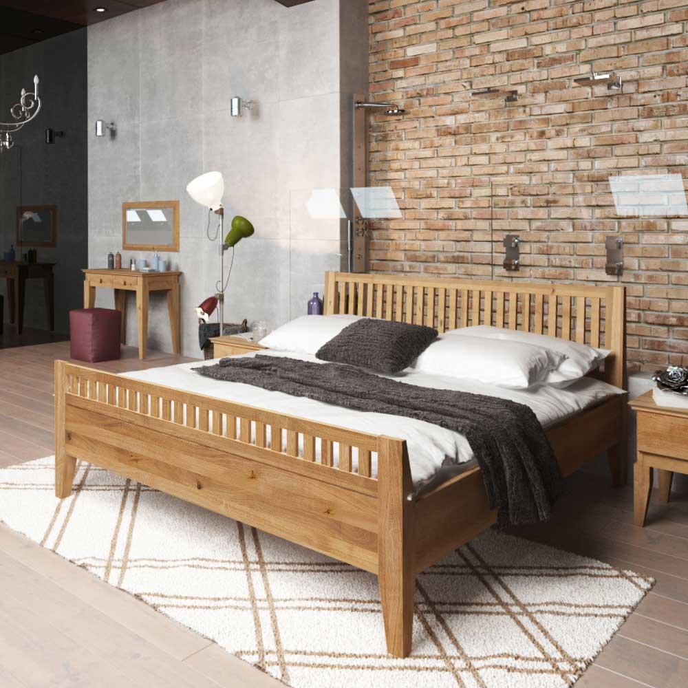 Holzbett aus Wildeiche geölt modern