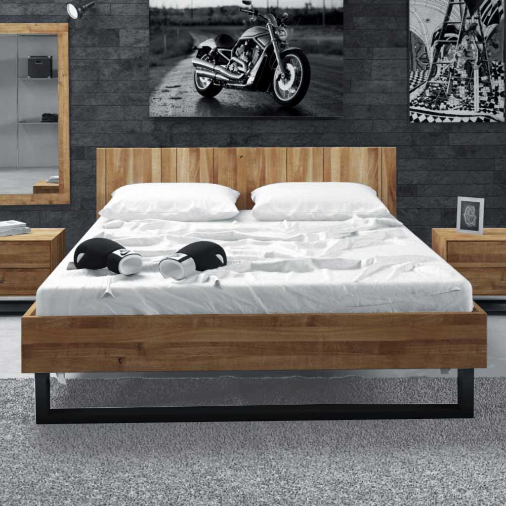 Bett aus Wildeiche Massivholz Stahl