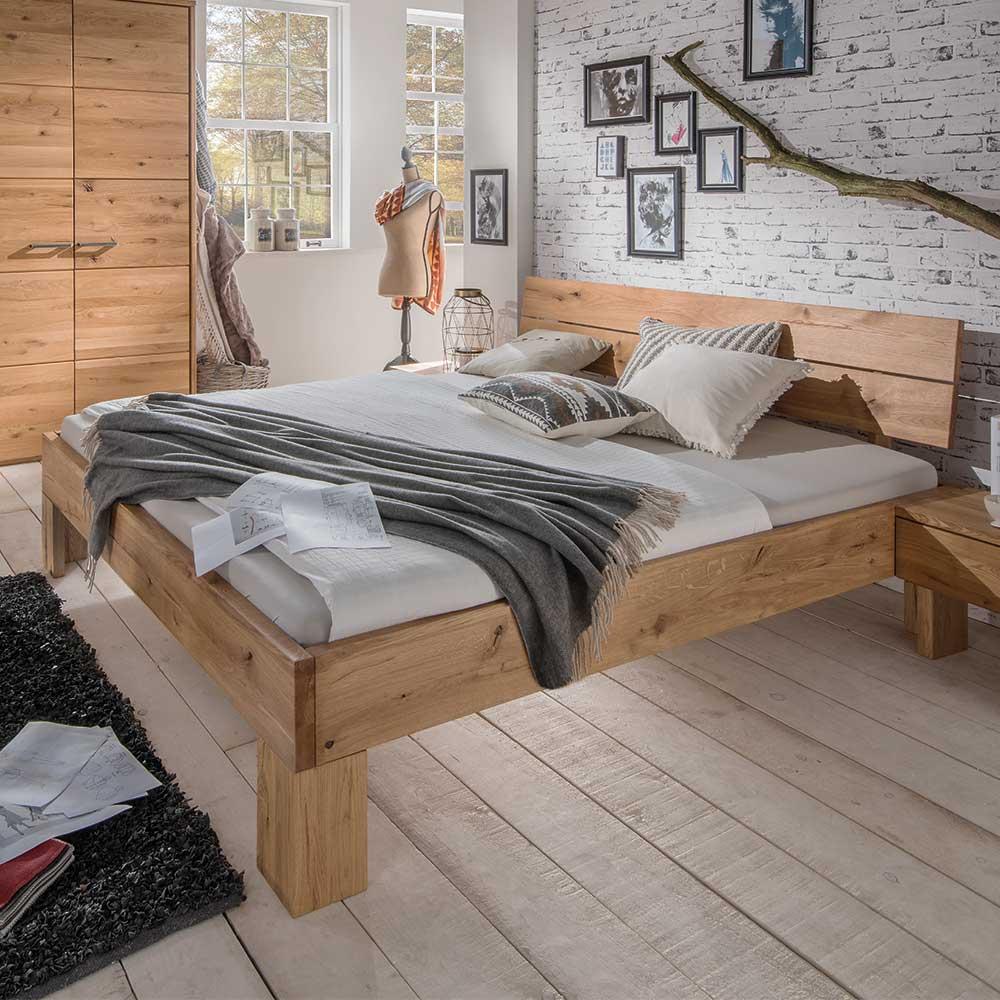 Massivholzbett aus Wildeiche geölt modern