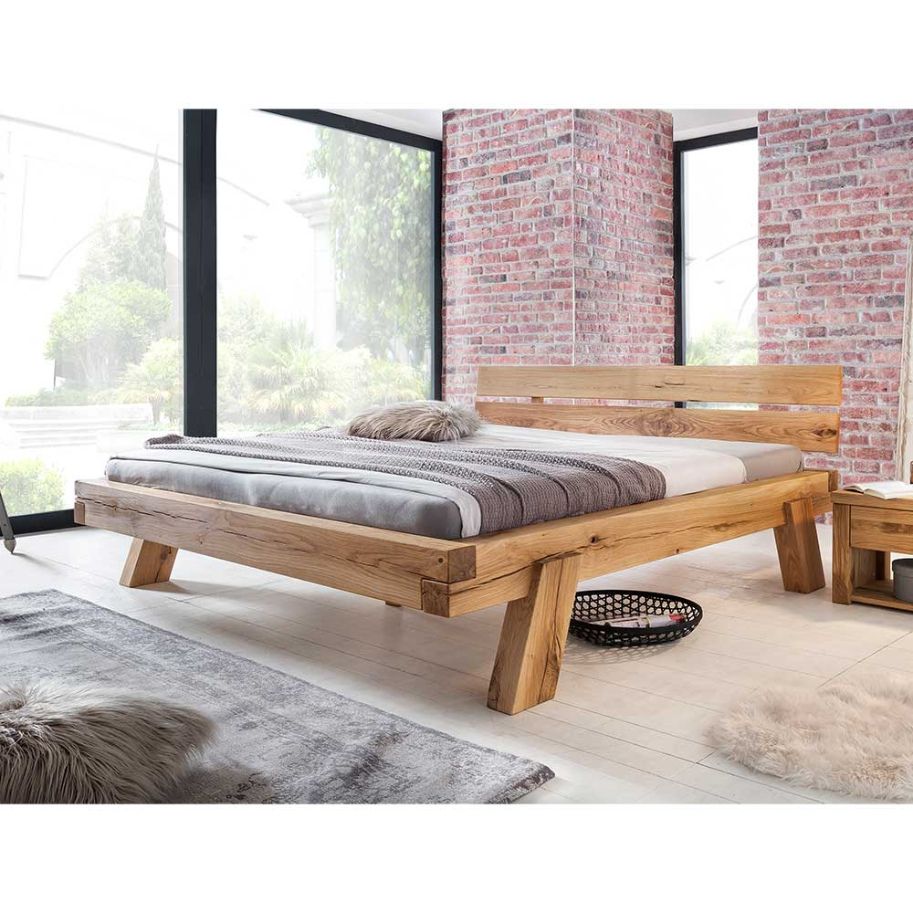 Balkenbett aus Wildeiche Massivholz modern