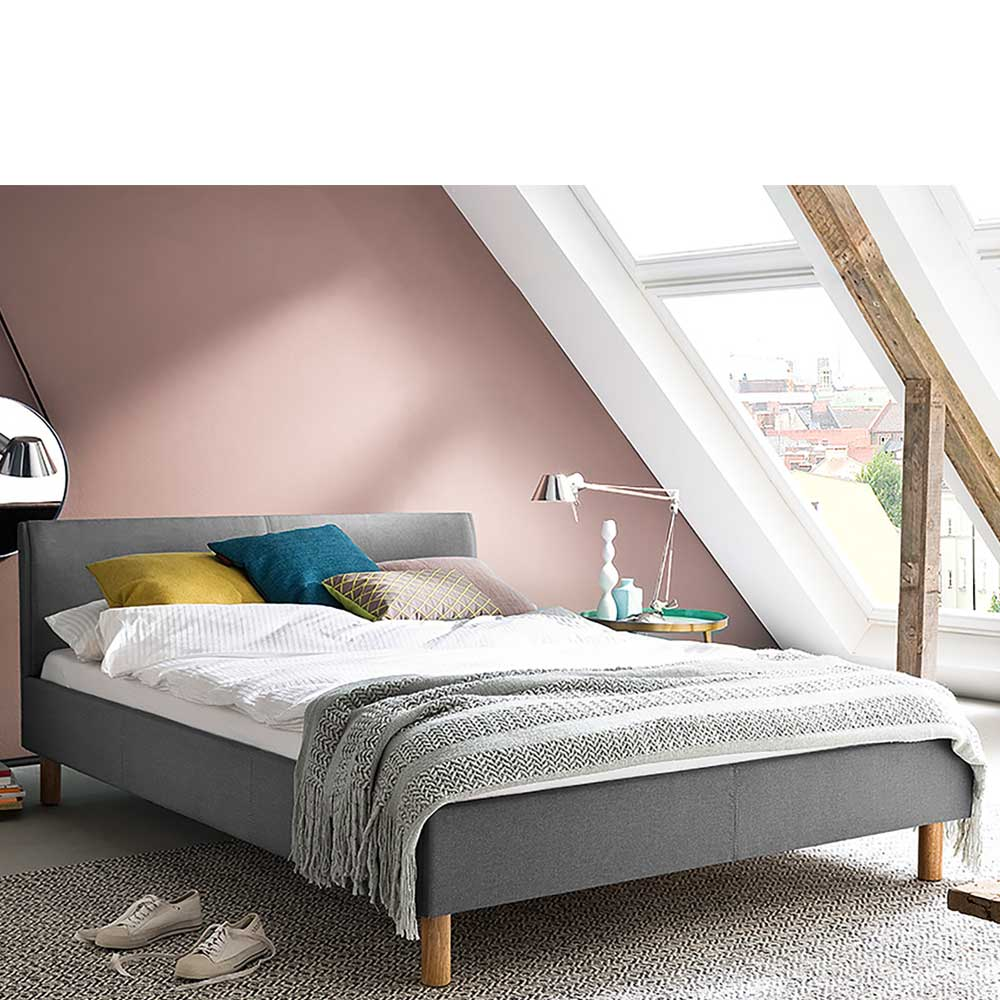 Niedriges Bett in Hellgrau Webstoff Skandi Design