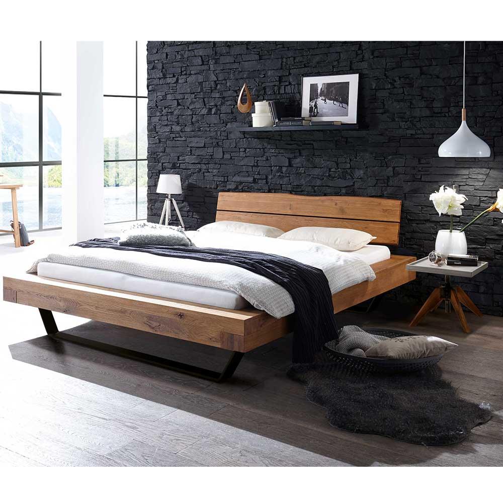 Holzbett aus Wildeiche Massivholz und Metall Nachttischen (3-teilig)