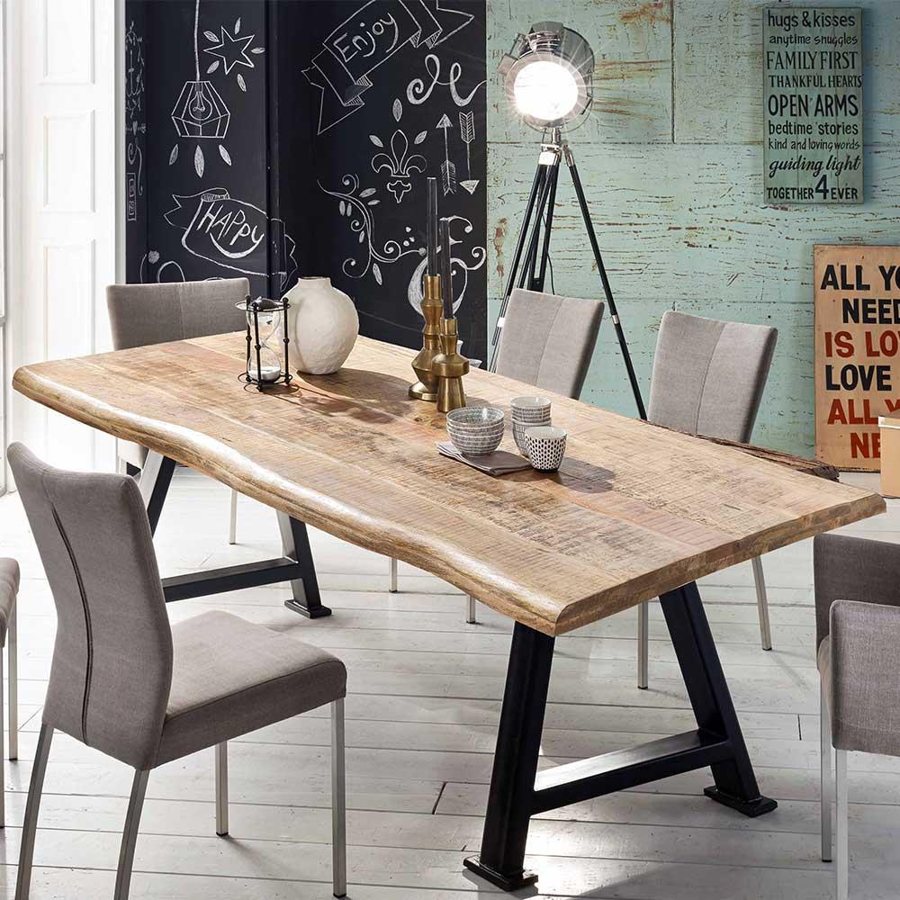 Baumkanten Esstisch aus Mangobaum Massivholz und Stahl A Fußgestell