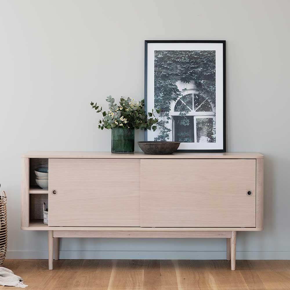 Skandi Design Sideboard in Holz White Wash zwei Schiebetüren